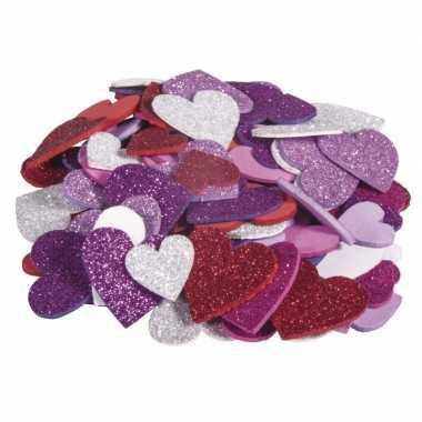 100x zelfklevende foam hartjes met glitters om te knutselen