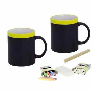 2x beschrijfbare krijt mok/bekers geel 350 ml + 24x witte en 24x gekleurde krijtjes met spons