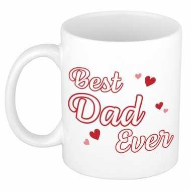 Best dad ever vaderdag cadeau mok / beker wit met contour letters en rode hartjes