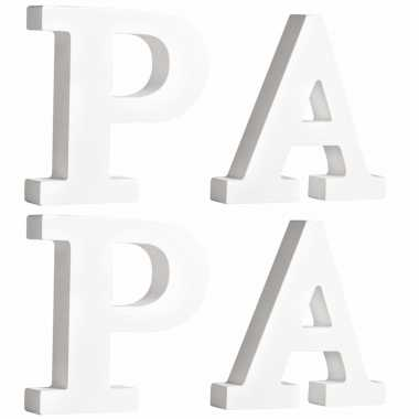 Houten deco hobby letters - 4x losse witte letters om het woord papa te maken