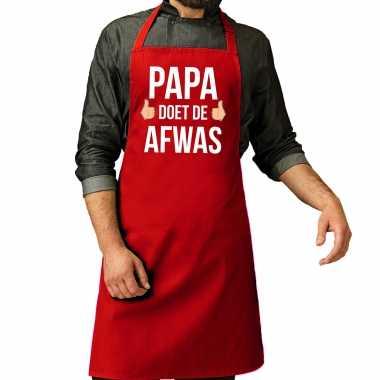 Papa doet de afwas cadeau katoenen schort rood voor heren