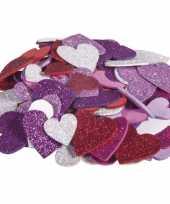 200x zelfklevende foam hartjes met glitters om te knutselen