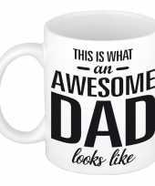 Awesome dad cadeau mok beker voor vaderdag 300 ml