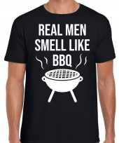 Real men smell like bbq barbecue cadeau t shirt zwart voor heren